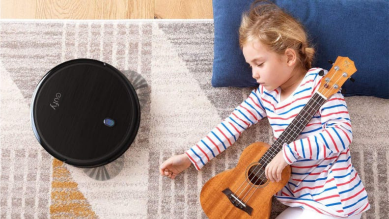 Mother's Day gifts on Amazon Canada: Robot Vacuum