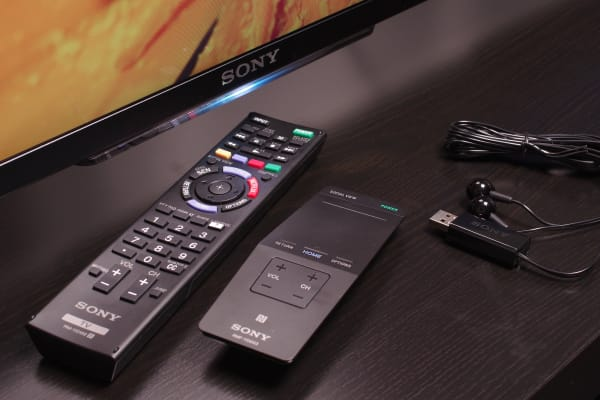 Sony's premium XBR-49X850B 4K TV ships with a touchpad remote, traditional remote, and IR blaster. The TV also includes a mounted (removable) camera and two sets of passive 3D glasses.