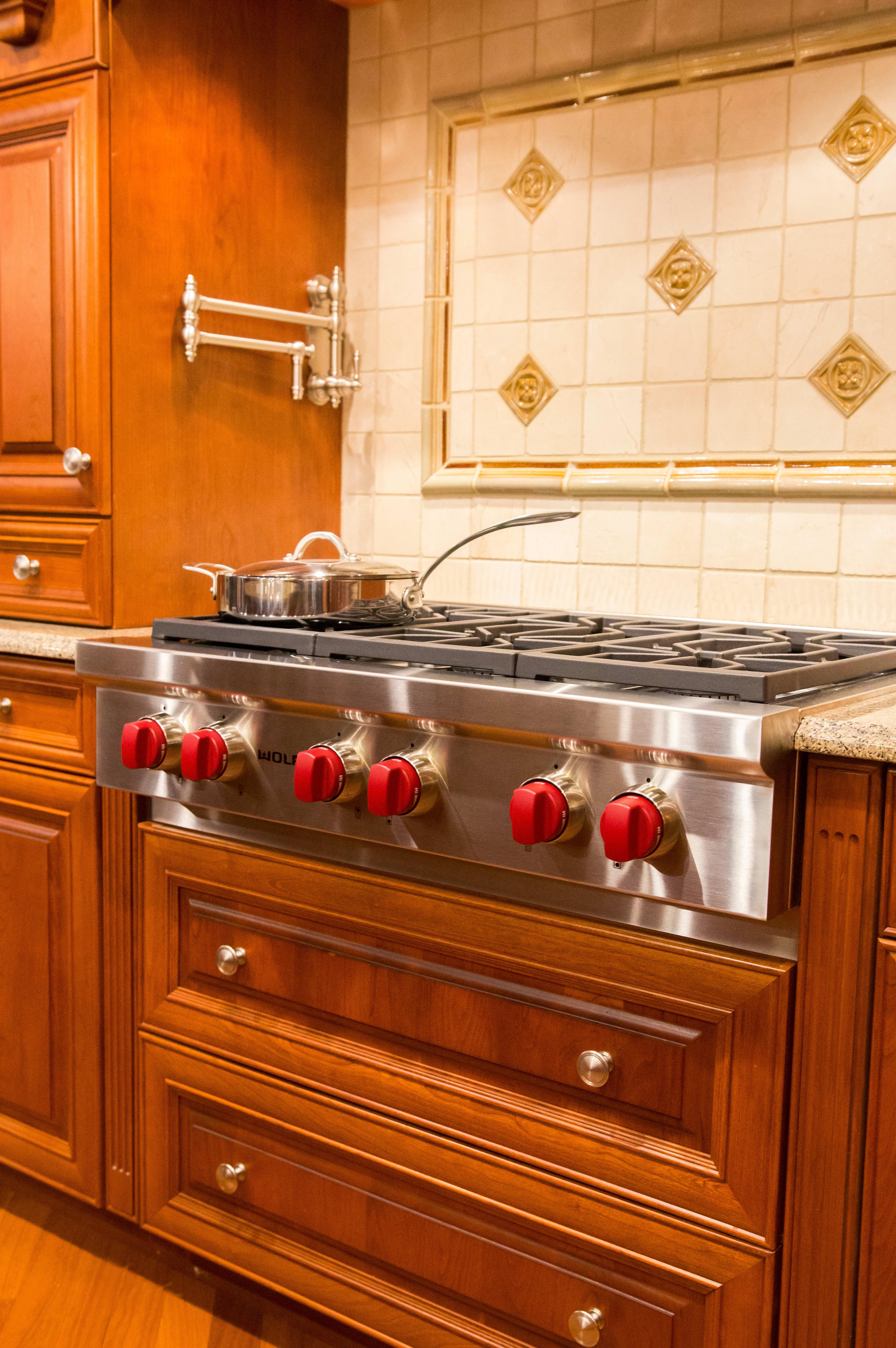 Rangetop installed in kitchen