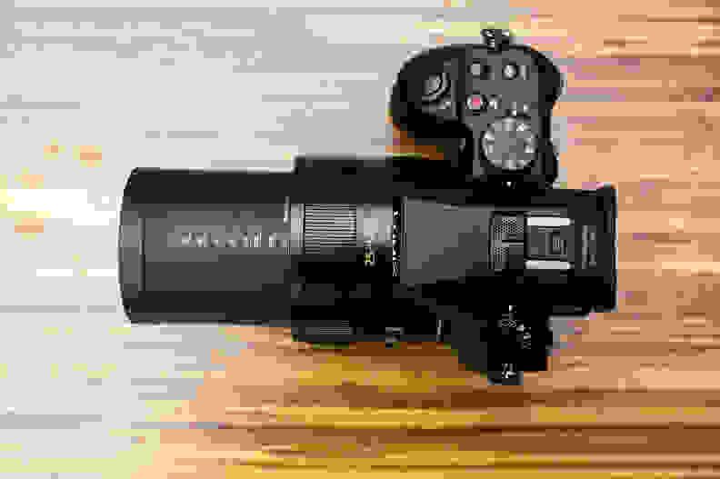lumix-fz1000-teletop.jpg