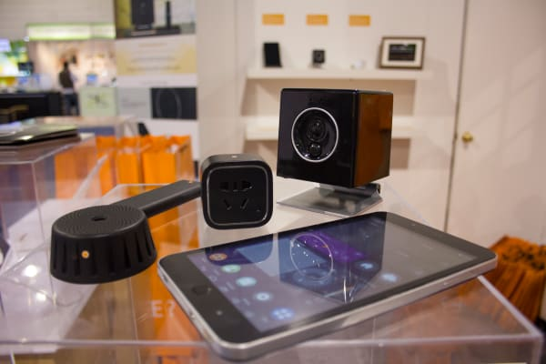 Oomi Cube, Touch tablet, and Smart Plug