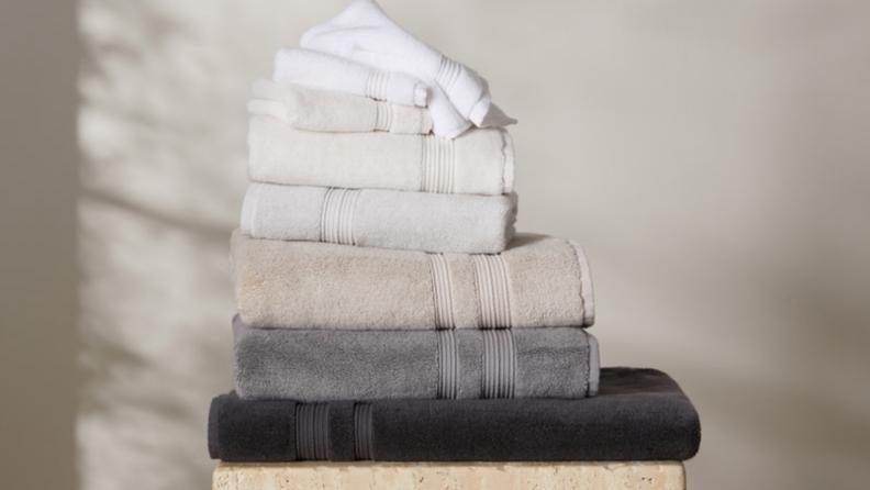 Best wedding gifts: Parachute bath towels