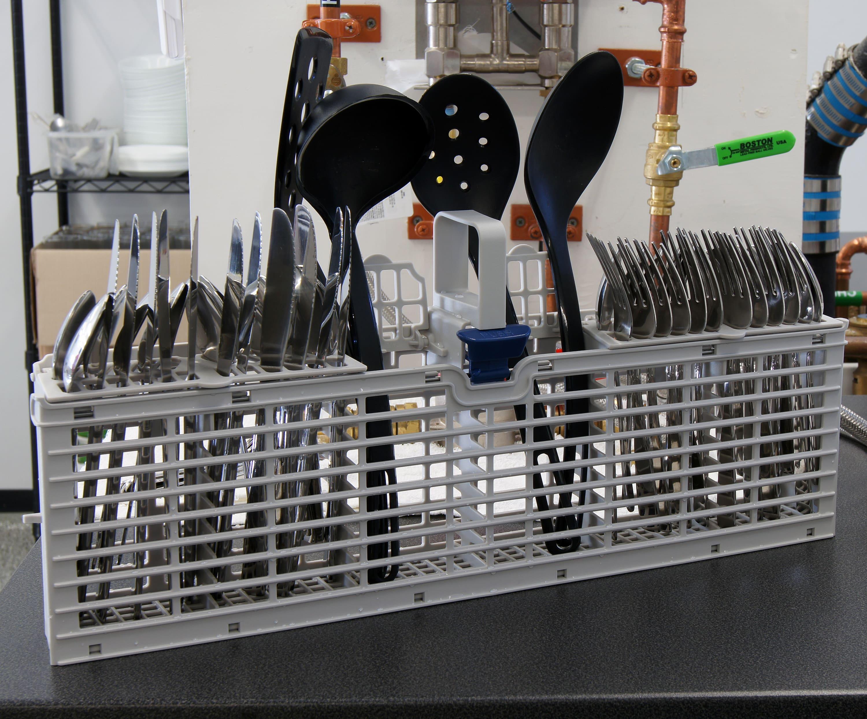 Whirlpool Gold WDT720PADM cutlery basket capacity