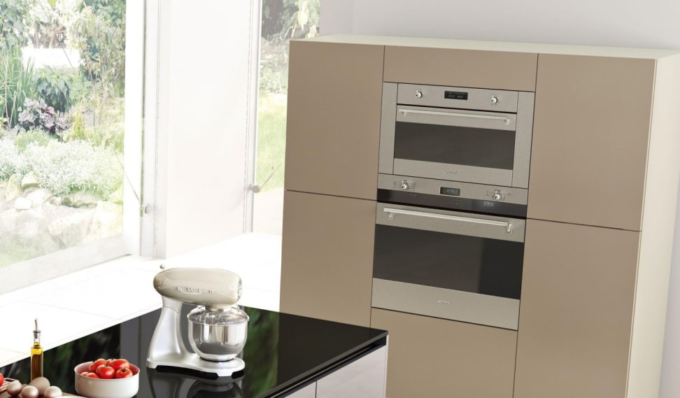 Smeg's Classic wall oven with Smart-Black window