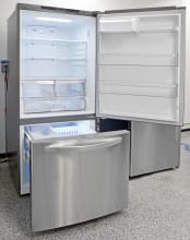 LG LDCS24223S Interior