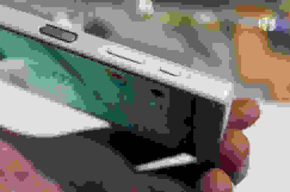 Sony Xperia Z5 – Camera Button