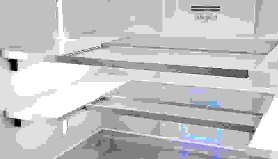 Whirlpool WRF995FIFZ Infinity Slide Shelves