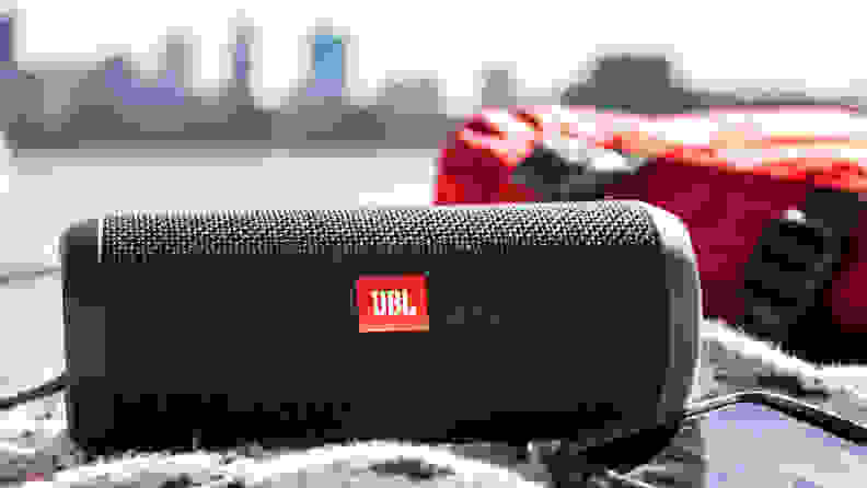 Best gifts for college students 2018: JBL Flip 3