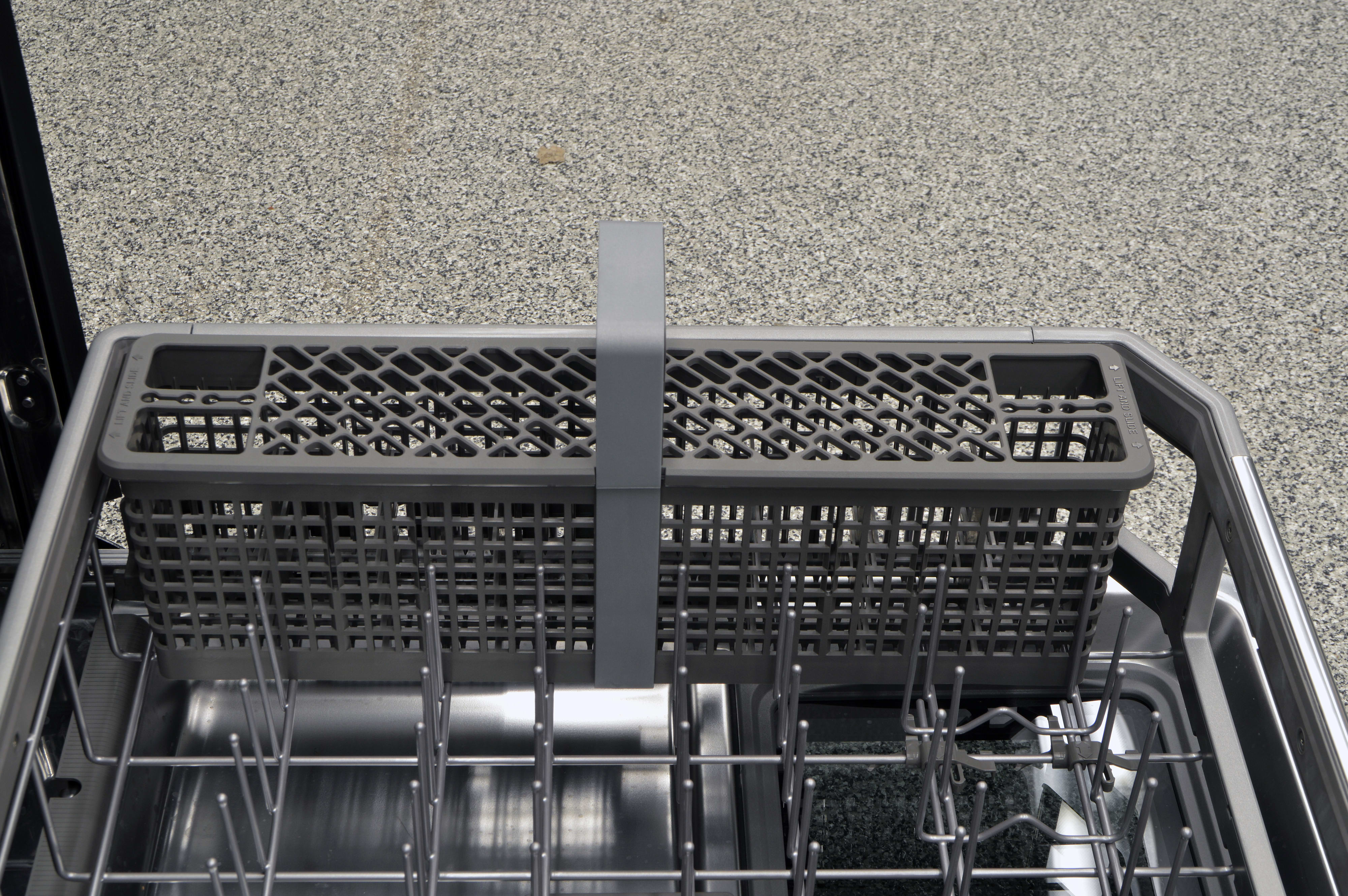Cutlery basket in the lower rack