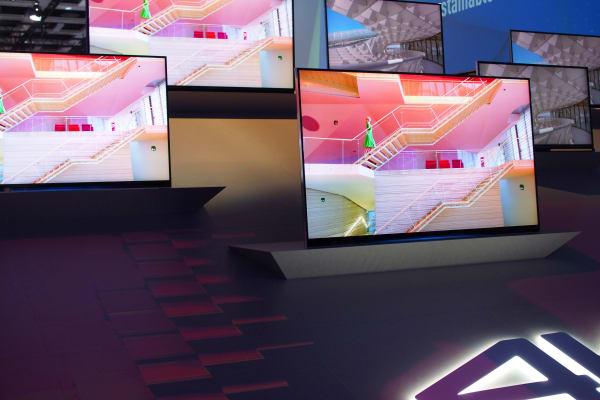 Panasonic's full-array AX900 4k TV will begin selling some time in November.