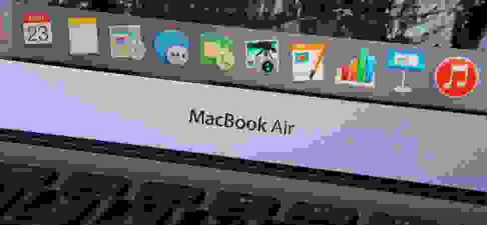 Product Image - Apple Macbook Air (13-inch, 2015)