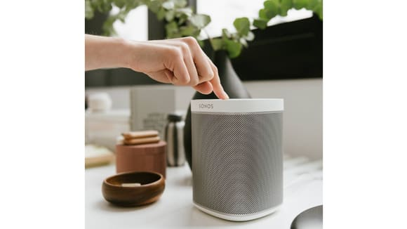 best-luxury-gifts-expensive-gifts-2018-sonos-speaker.png