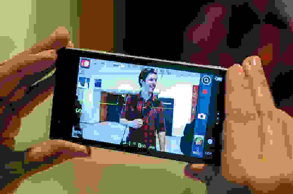 Panasonic-CM1-Photokina-Camera-Screen.jpg