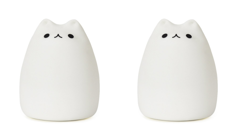 An image of the same white cat night light duplicated.