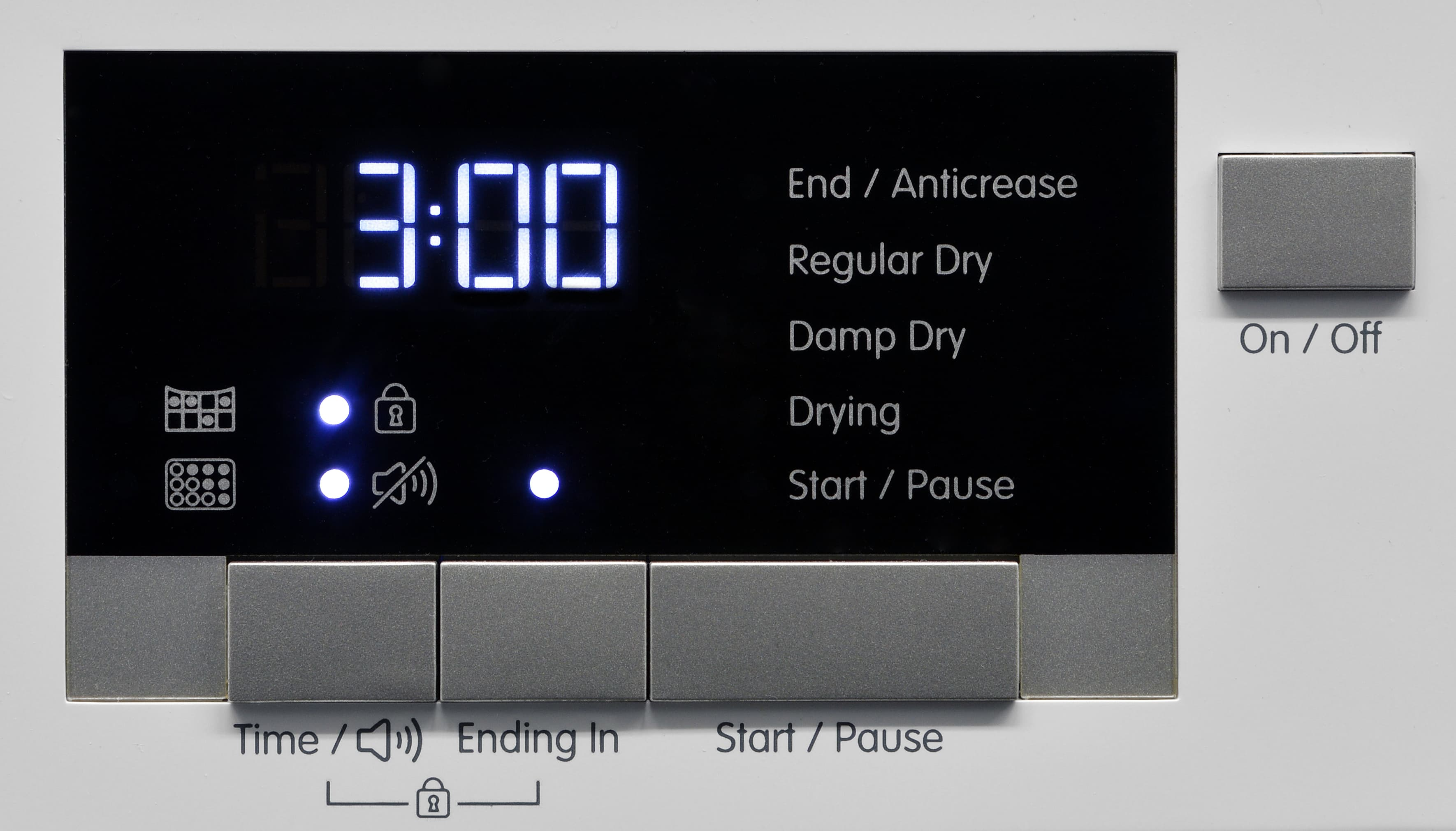 Without customizable options or extra features, the Blomberg DHP24412W's control panel basically serves as a timer and power switch.