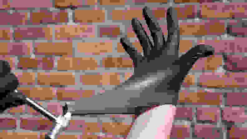 Venom_Steel_gloves