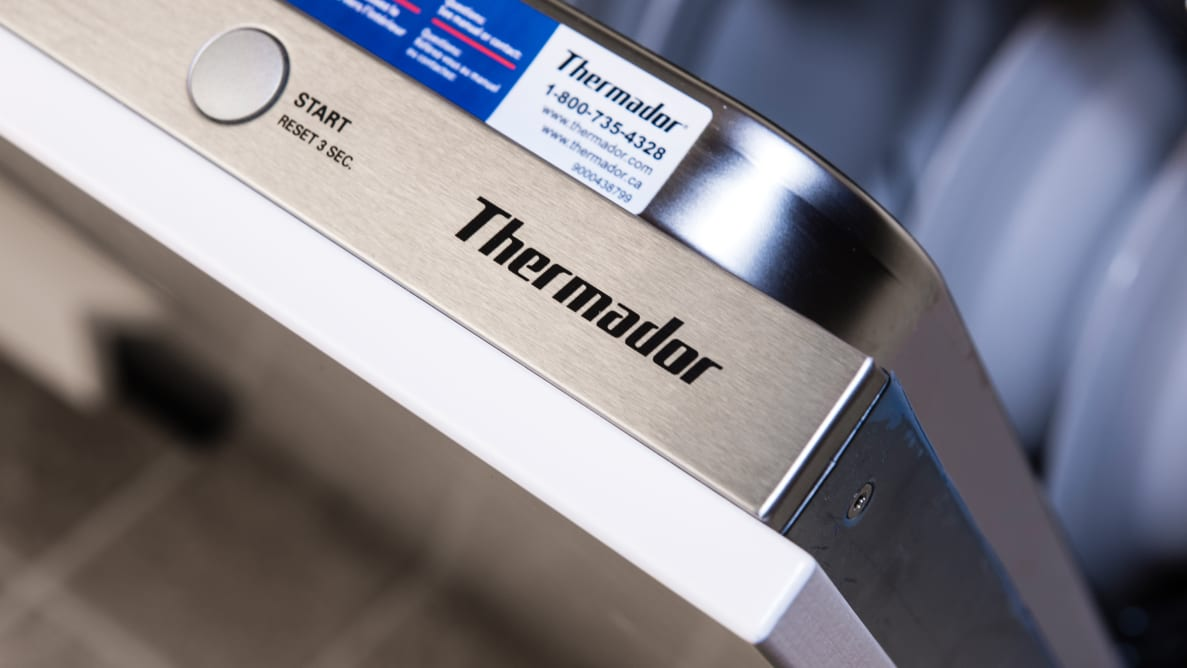 Thermador Topaz DWHD640JPR