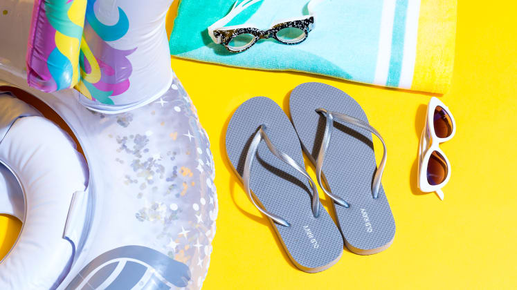 5262d0f1294fa5 Are Havaiana or Old Navy flip-flops better? - Reviewed Lifestyle