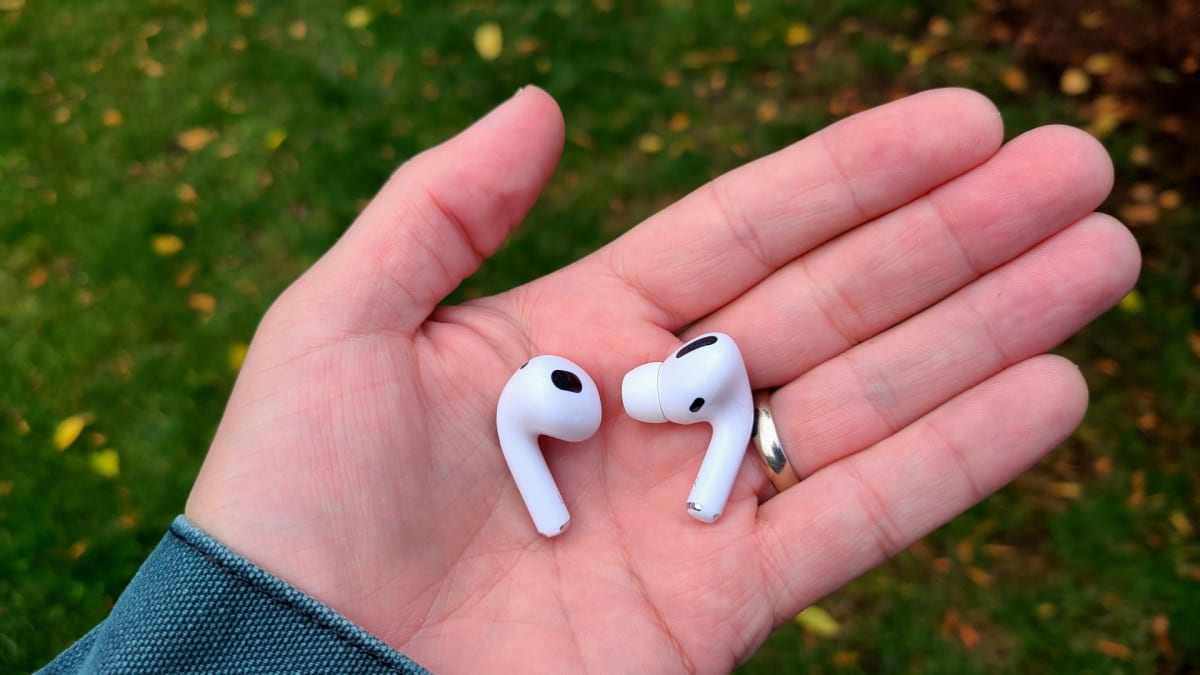 Apple AirPods 3 vs AirPods Pro: Which Apple buds are best?