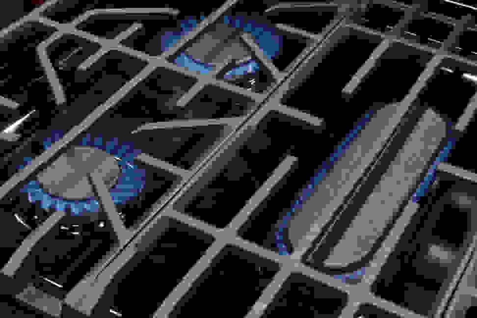 Frigidaire FPGF3077QF Burners