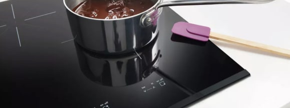 Frigidaire fgic3667mb induction cooktop with scraper