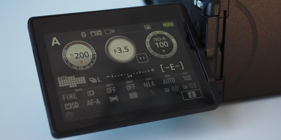 Nikon D5600 Variangle touchscreen