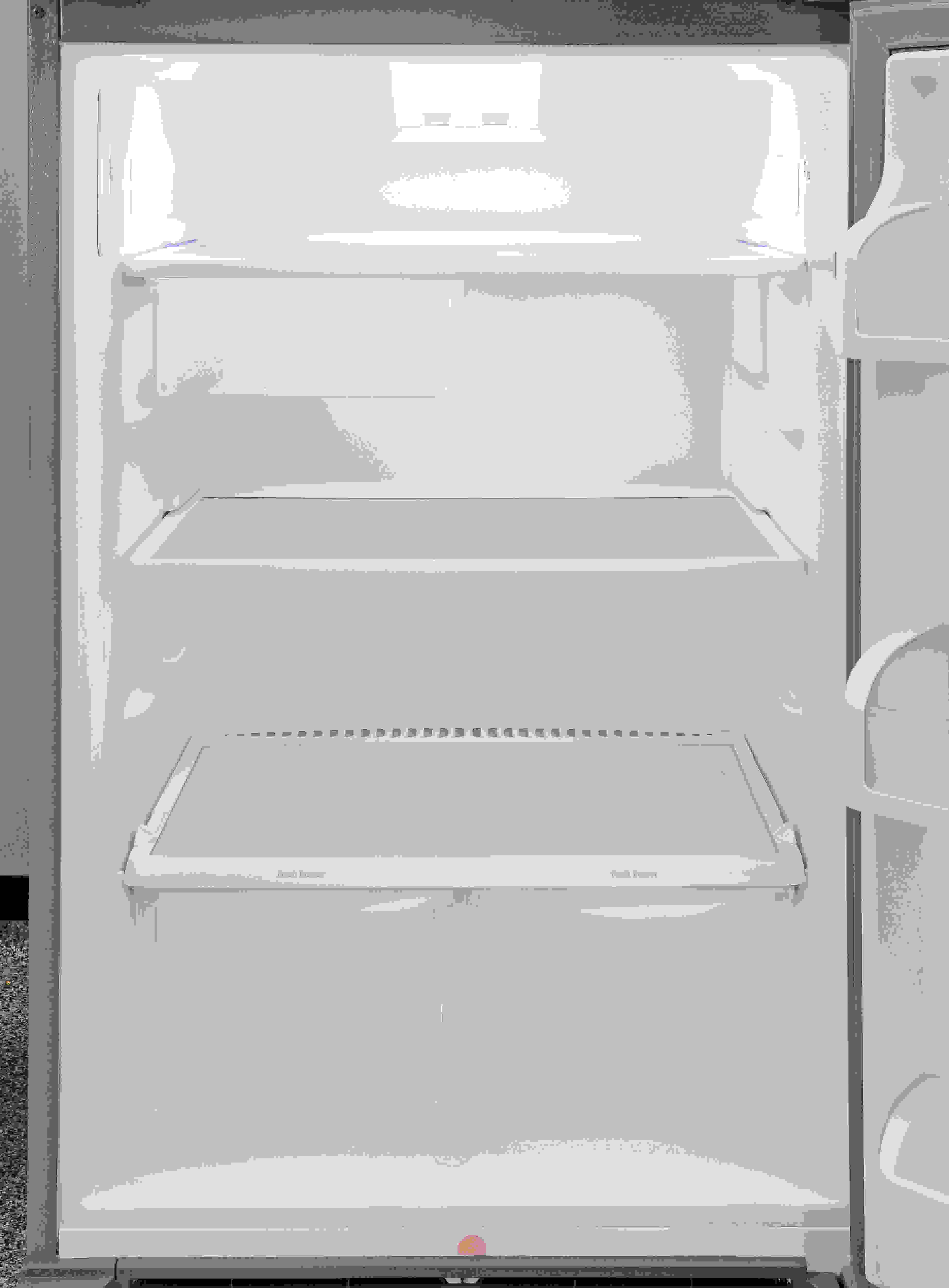 The Frigidaire Gallery FGTR1845QF's basic layout offers flexibility and—for the most part—easy access.