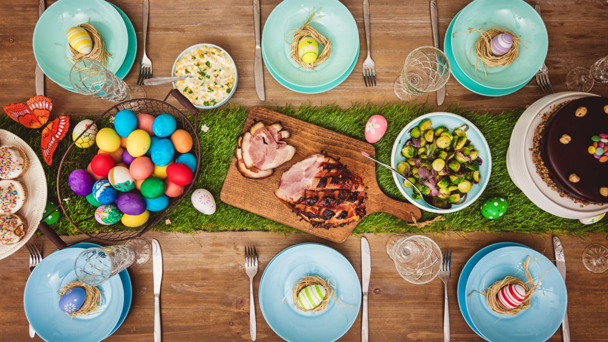 Here's how to plan the perfect outdoor Easter gathering