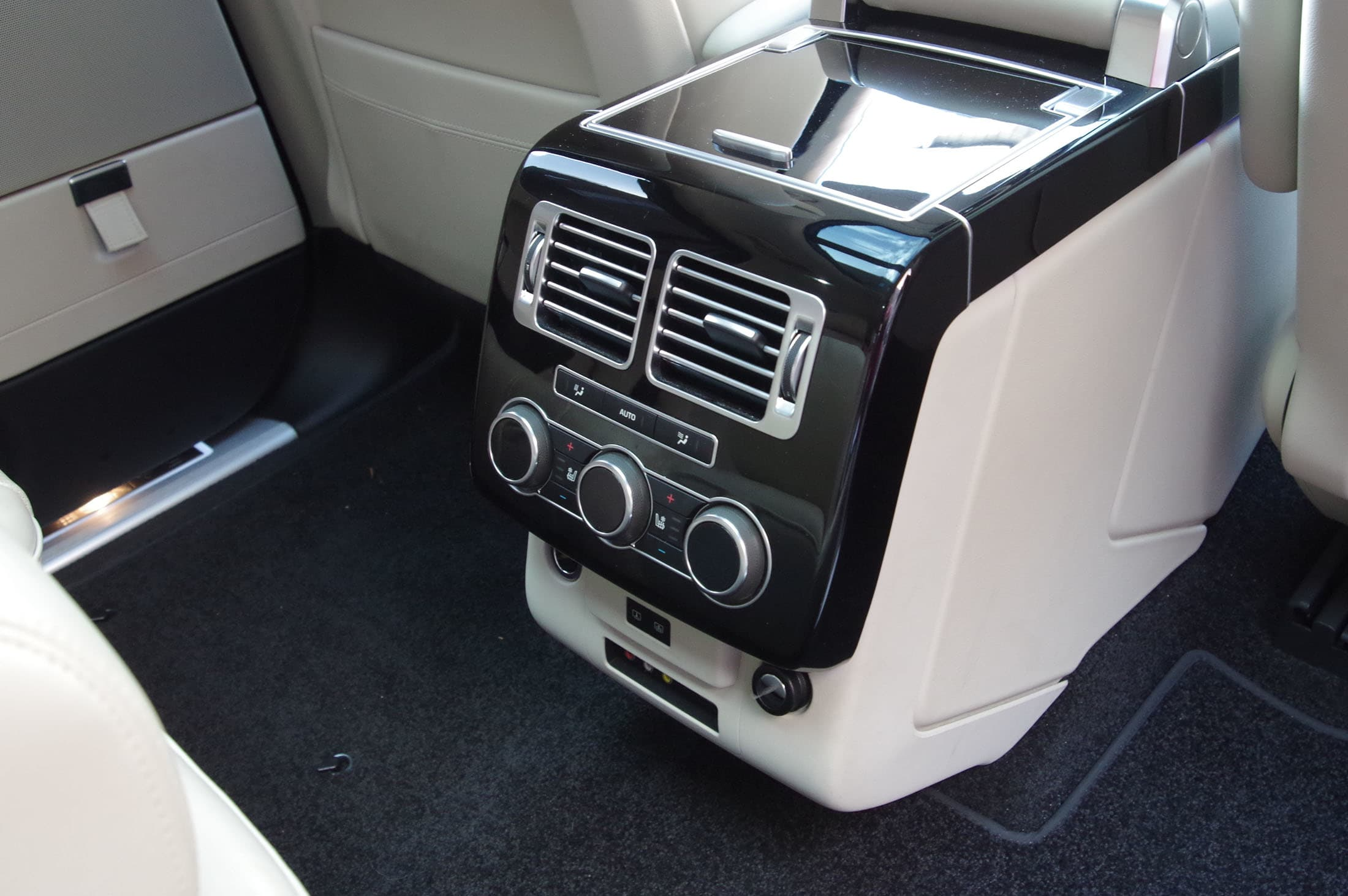 Range Rover Rear seat climate controls.