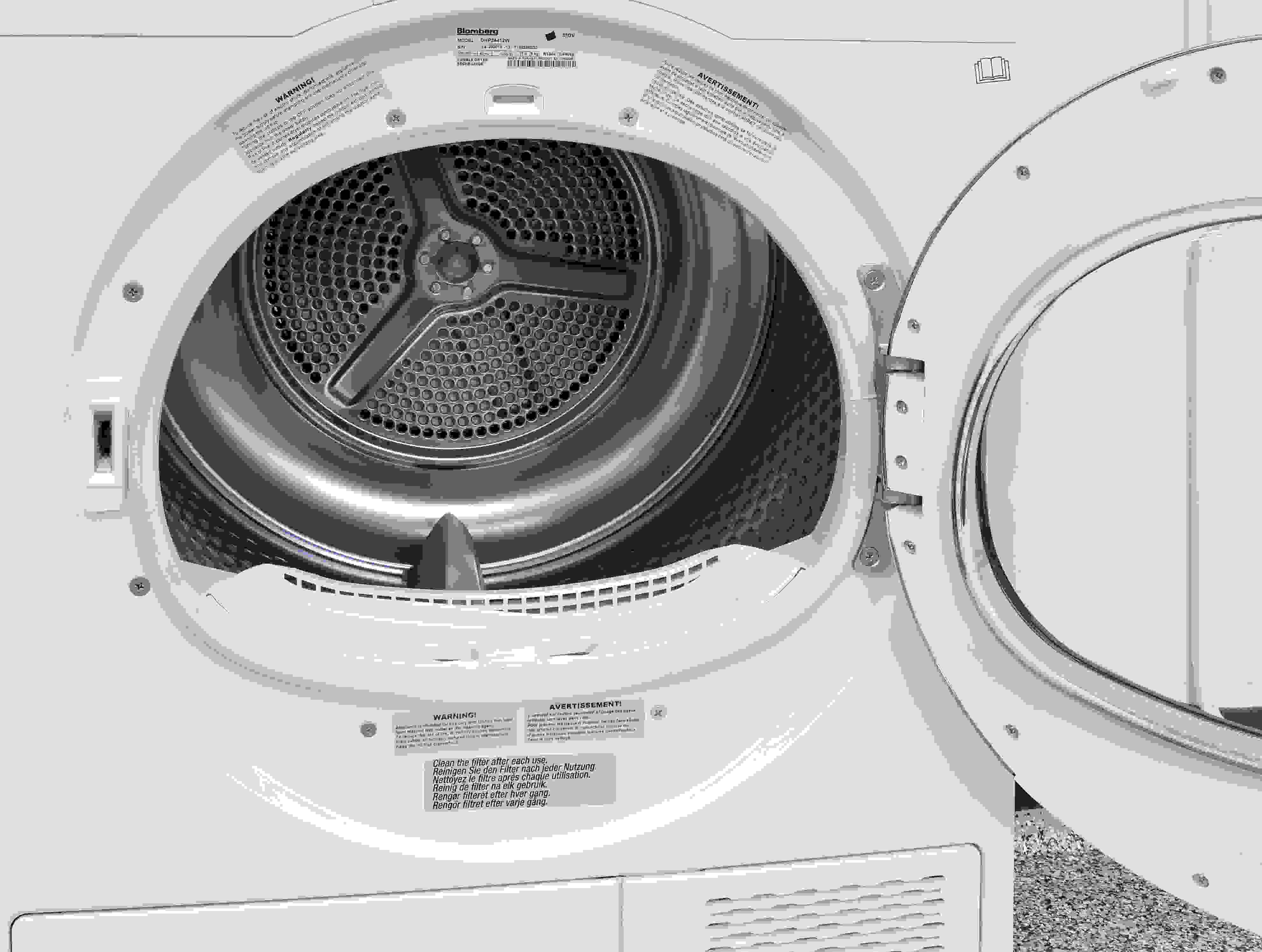 The Blomberg DHP24412W has a stainless drum, but no internal light.