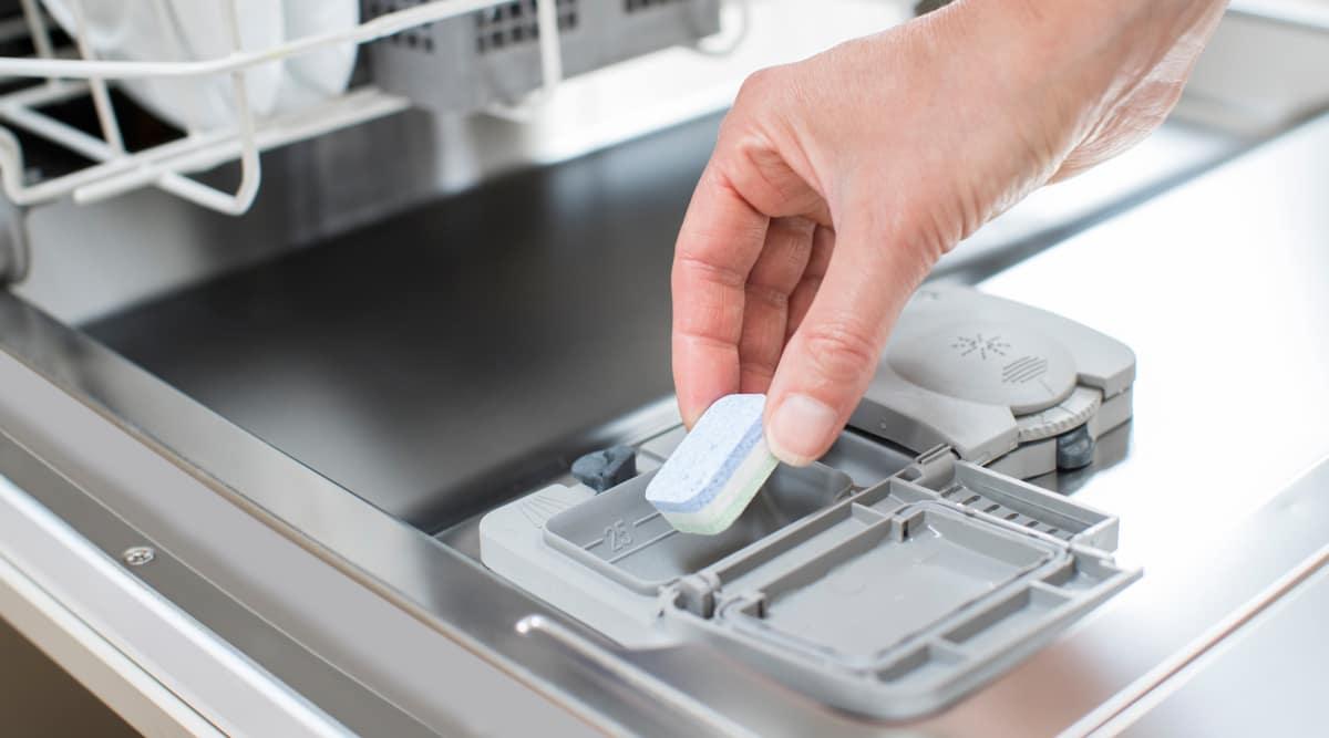 Powder, gel, or tabs: Which dishwasher detergent works