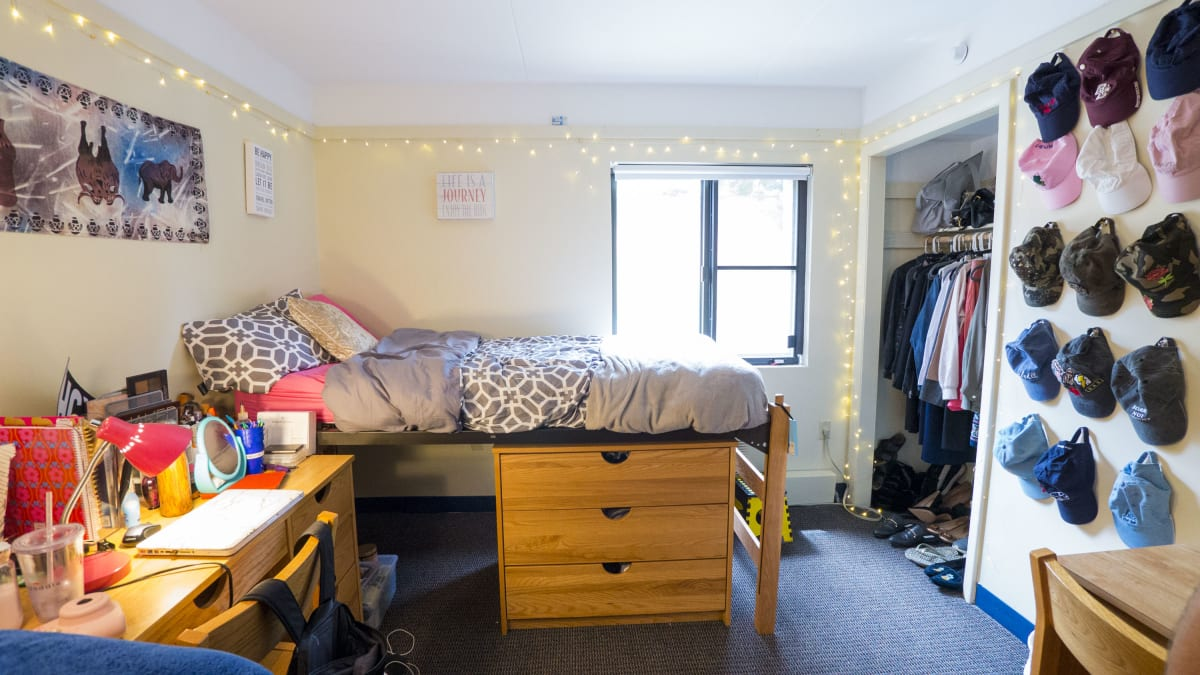 7 ways you can transform your dorm room without hiring an - Hiring an interior designer on a budget ...