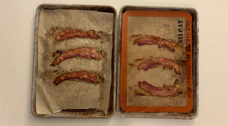 Bacon on Silpat mat and bacon on parchment paper