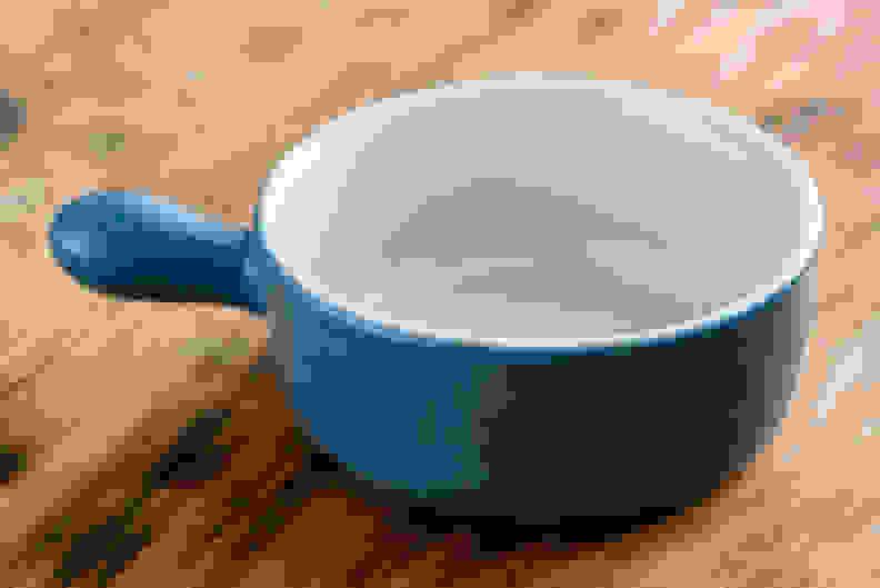 Enameled pot