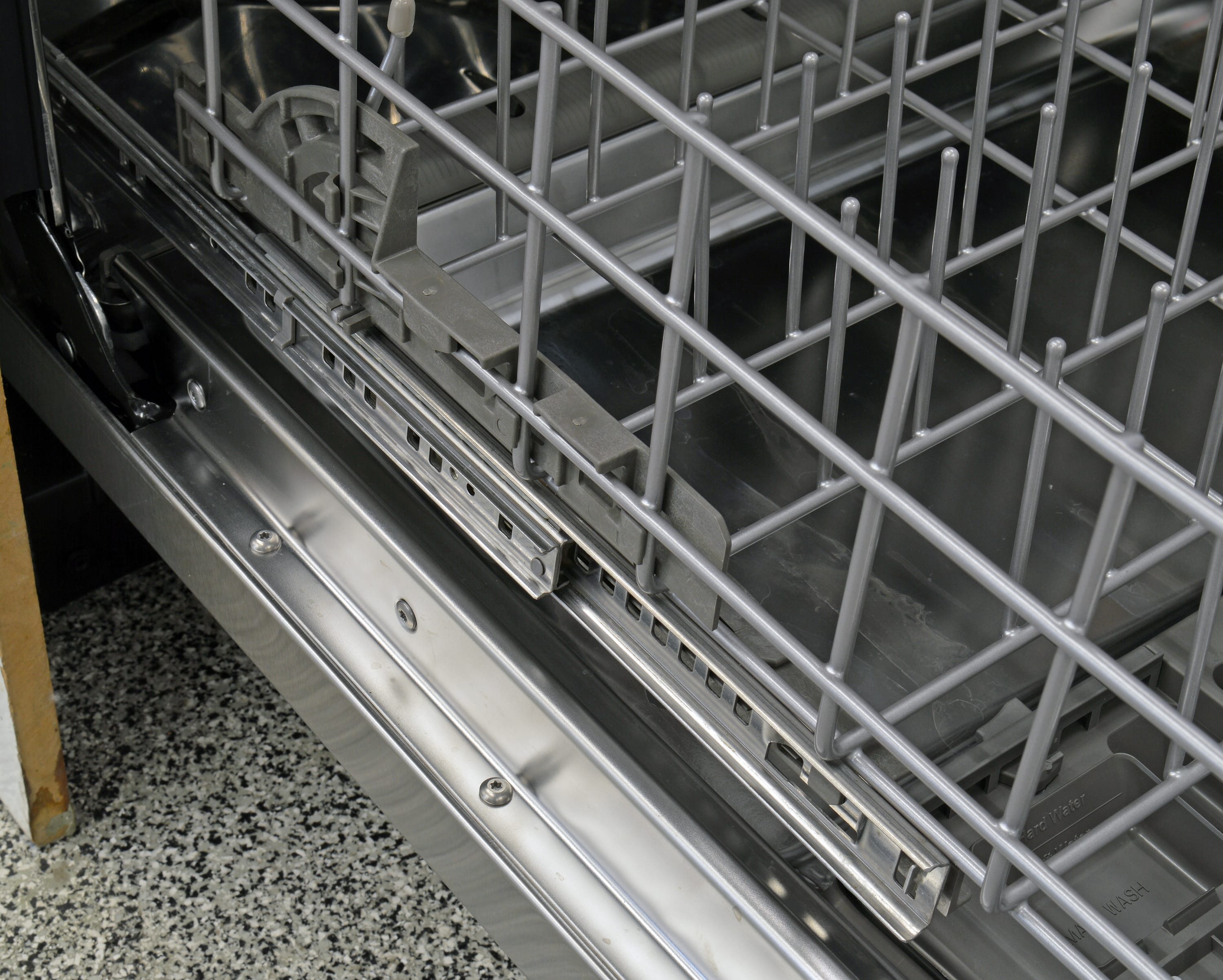 KitchenAid KDTE404DSS bottom rack rails
