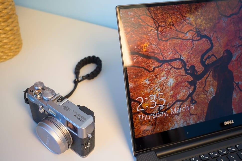 Dell XPS 15 (9550) Screen Bezel