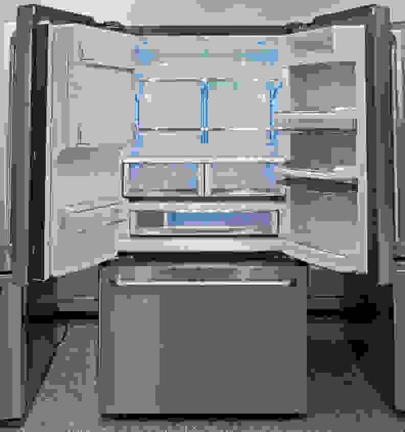GE-Cafe-CFE28TSHSS-interior.jpg