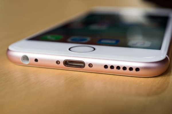 The bottom of the iPhone 6s