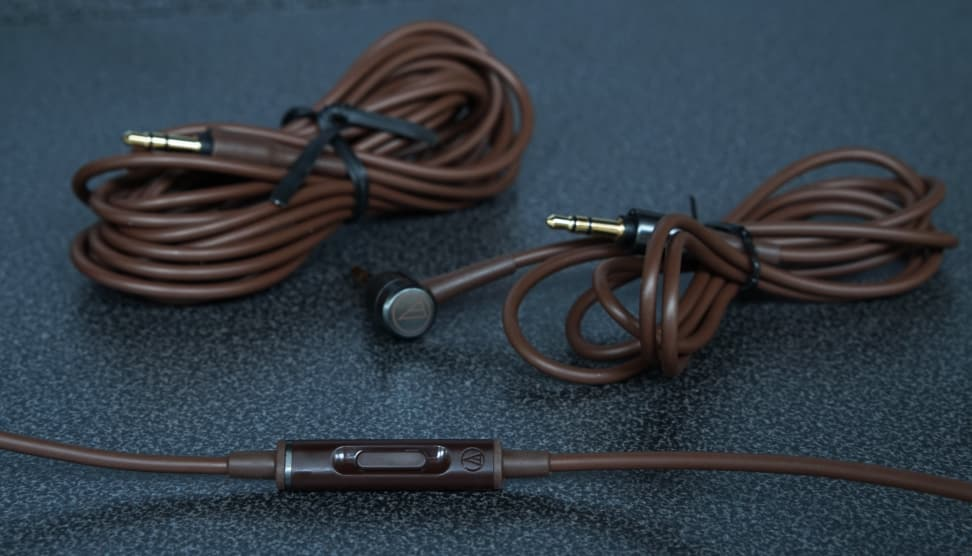 Audio-Technica ATH-MSR7 - Cables