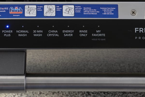 Frigidaire Professional FPID2497RF touch-sensitive controls