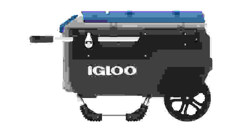 The Igloo Trailmate Roller Cooler against a white backdrop.