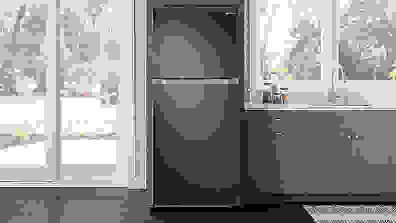 Samsung-RT18M621SSG-refrigerator