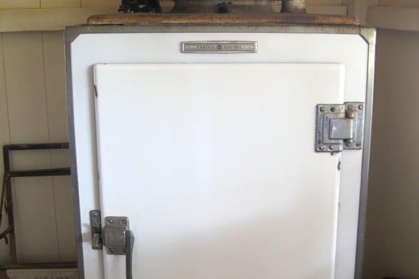 1930 GE Monitor Top fridge