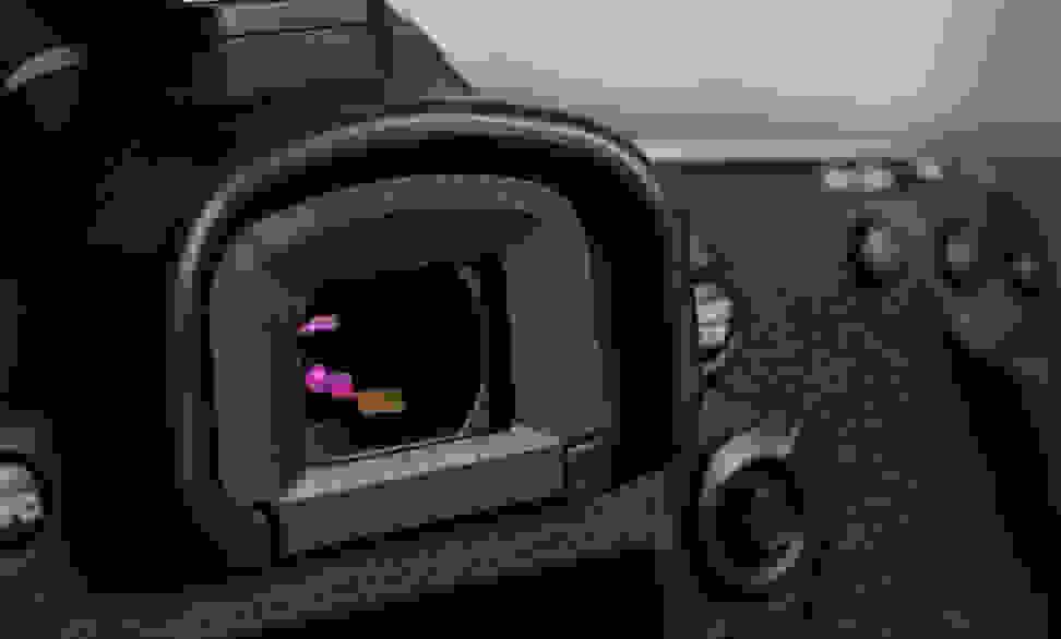 CANON-7D-MK2-DESIGN-VIEWFINDER.jpg