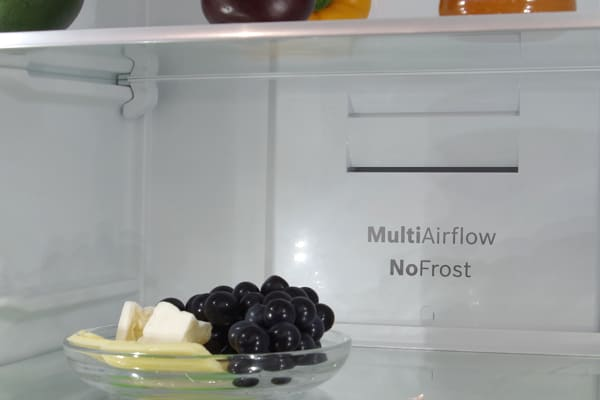Camera mounted inside the main fridge cavity