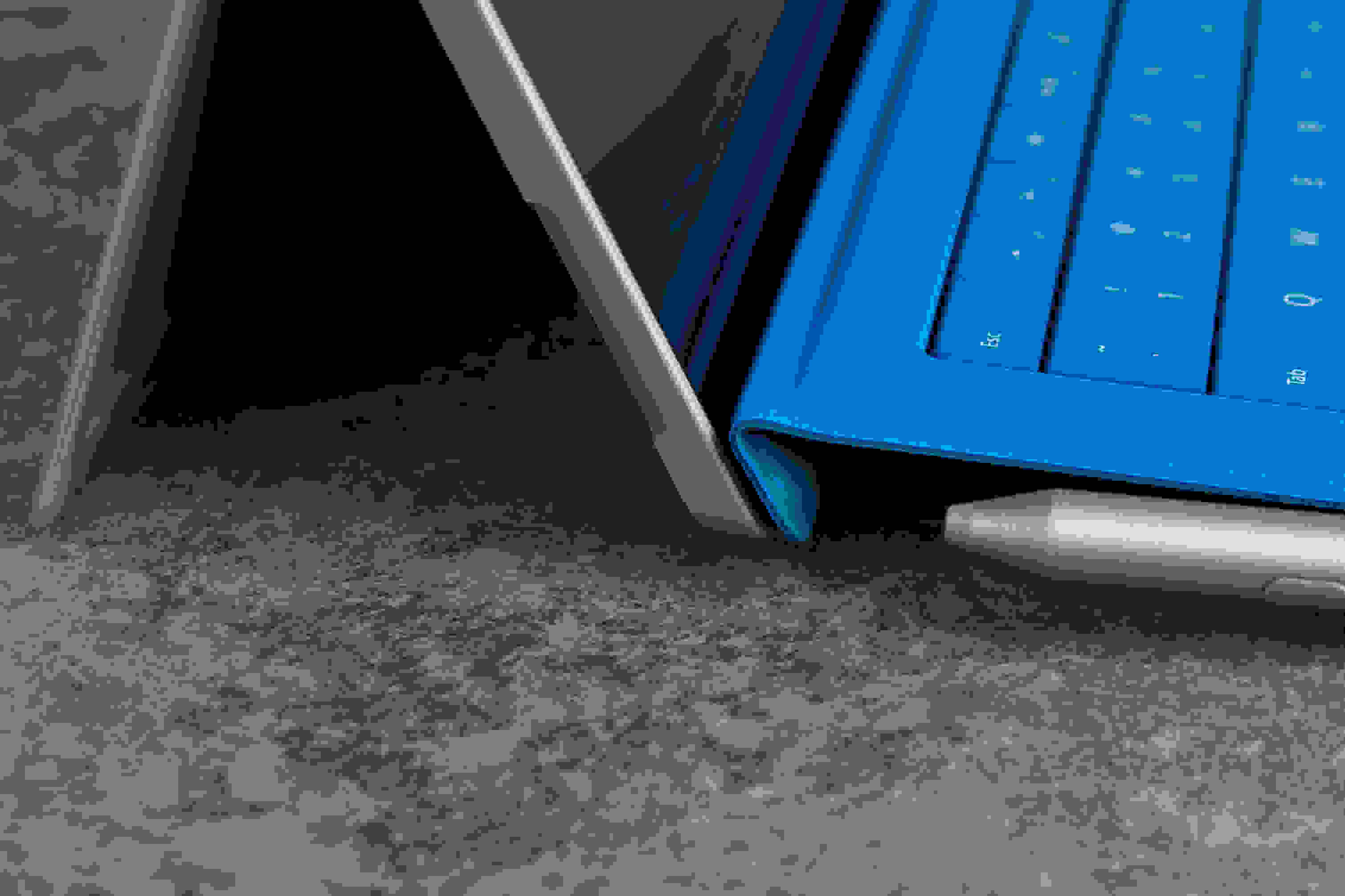 A closer look at the Microsoft Surface Pro 3's keyboard magnets.