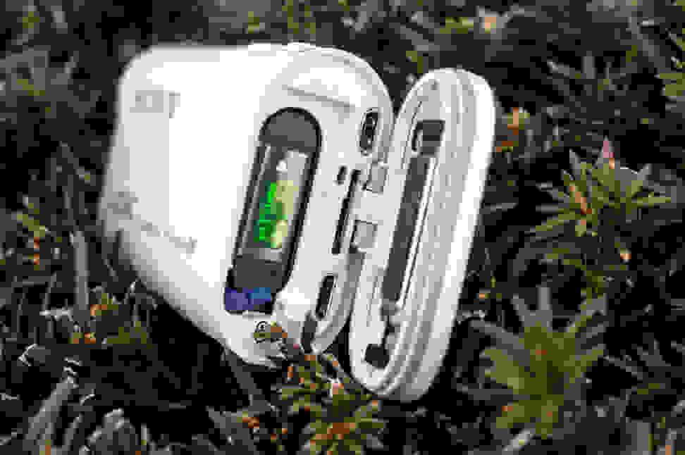 Sony-FDR-Z1000V-Design-Battery-Bay.jpg
