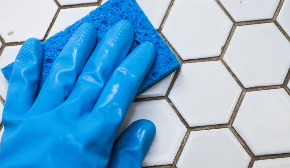 Cleaning dirty tiles