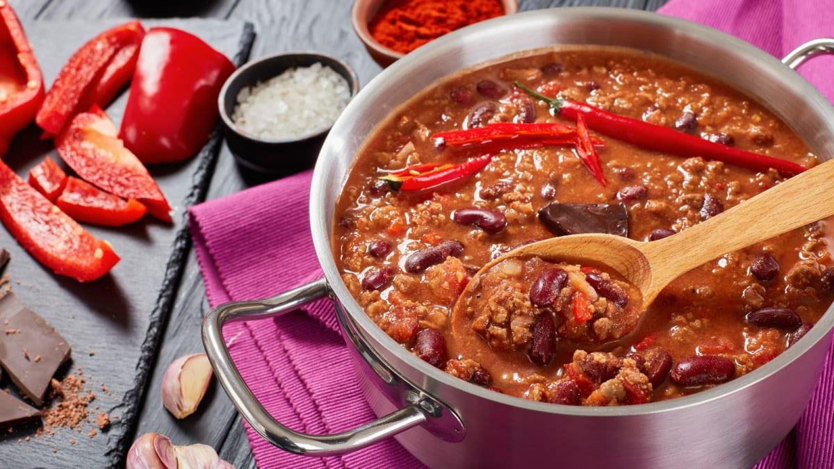 Here's the best way to make chili