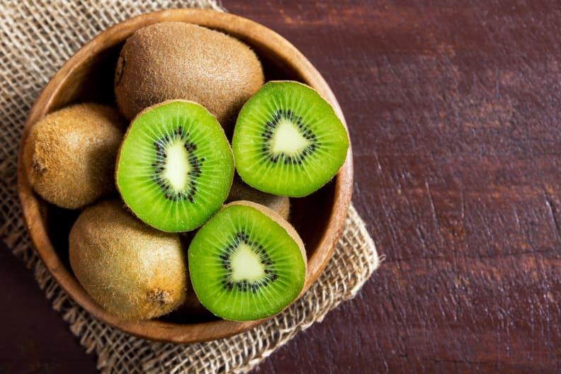 Kiwifruit in bowl